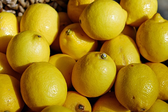 5 Incredible Ways Lemons Can Boost Your Health